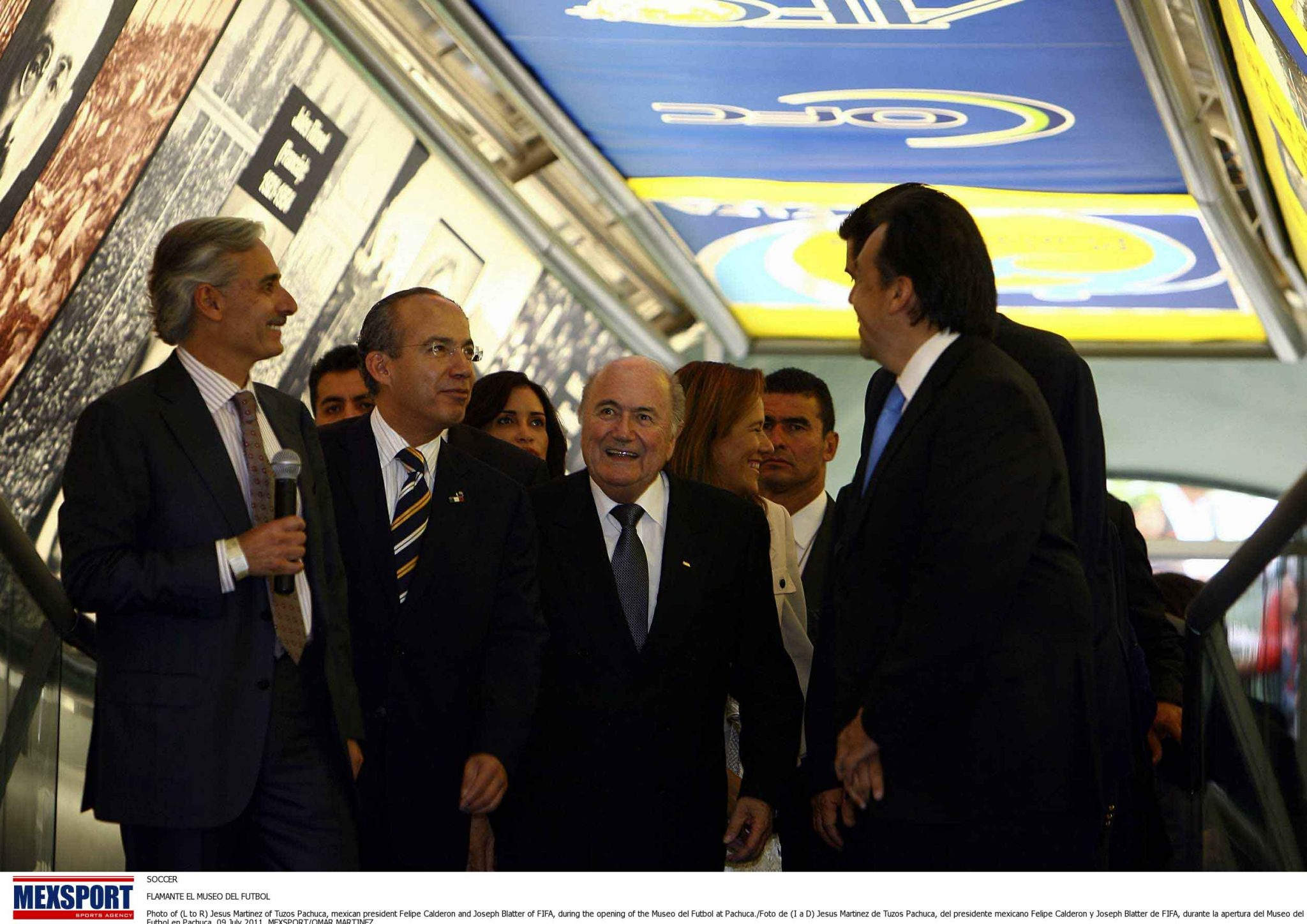 SOCCER  FLAMANTE EL MUSEO DEL FUTBOL  Photo of (L to R) Jesus Martinez of Tuzos Pachuca, mexican president Felipe Calderon and Joseph Blatter of FIFA, during the opening of the Museo del Futbol at Pachuca./Foto de (I a D) Jesus Martinez de Tuzos Pachuca, del presidente mexicano Felipe Calderon y Joseph Blatter de FIFA, durante la apertura del Museo del Futbol en Pachuca. 09 July 2011. MEXSPORT/OMAR MARTINEZ